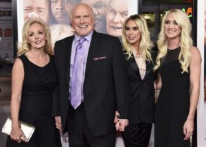 Tammy Bradshaw and terry Bradshaw with Daughters